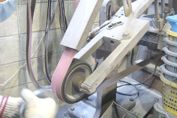 プレート型鋳造の流れ 仕上げ