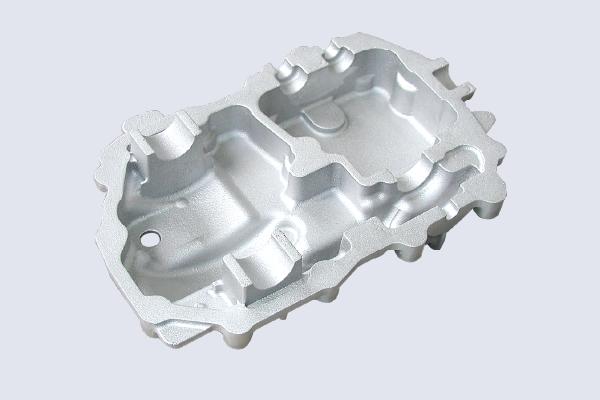 砂型鋳造加工事例-エンジン部品